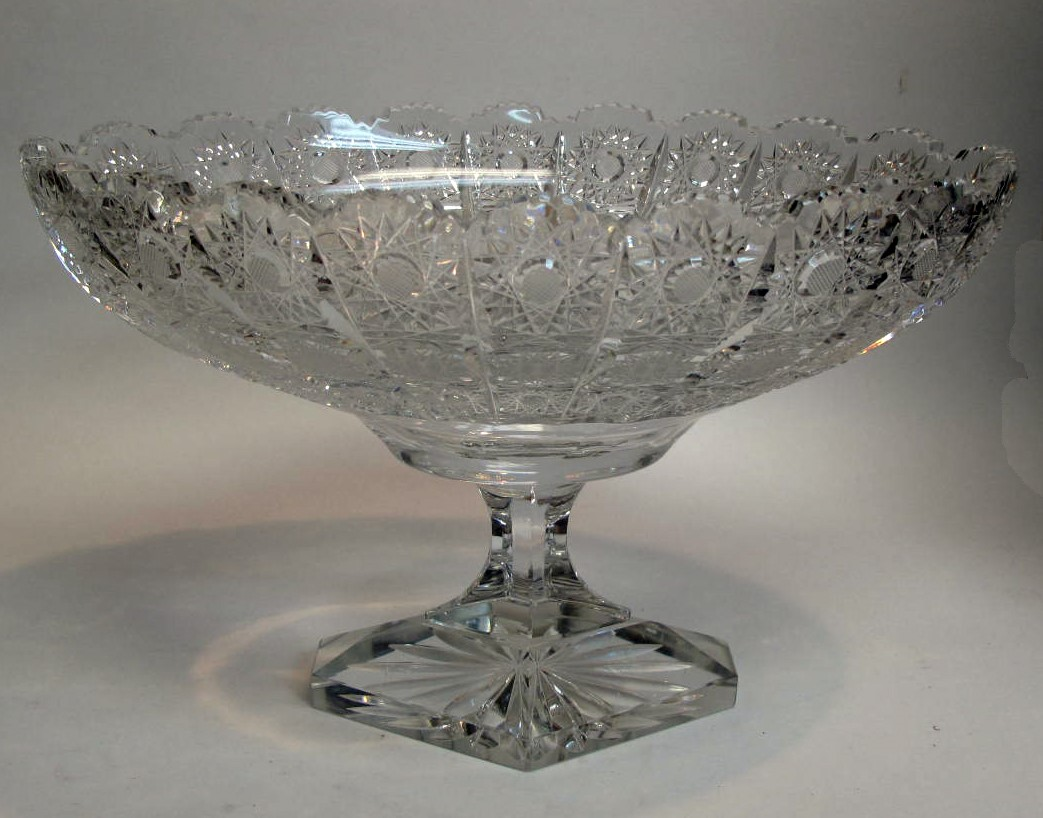 Exceptional waterford crystal 12 diamond footed glass centerpiece bowl ebay - Footed bowl centerpiece ...